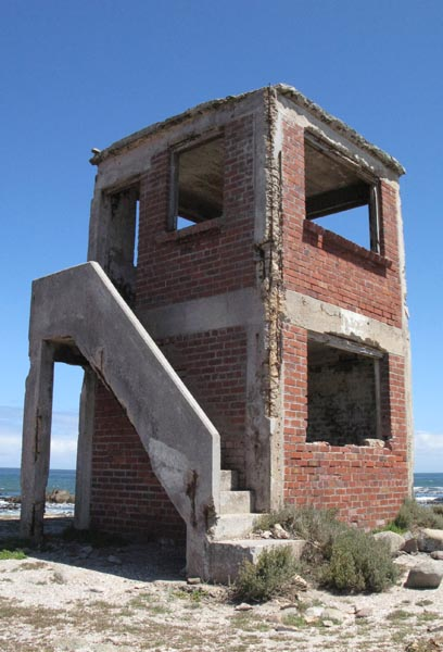 Another old look out building on the south side of Jacobsbaai.