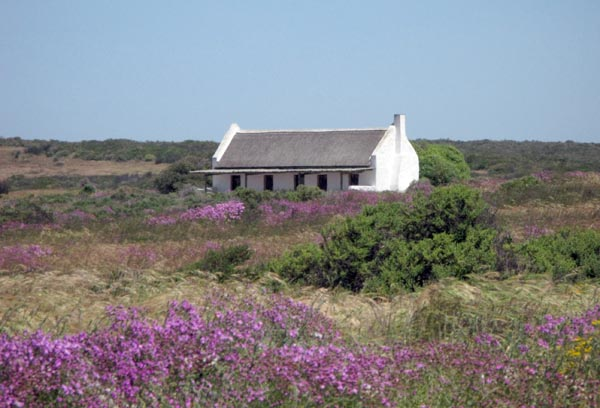 Self catering cottage near the Abrahamskraal bird hide.