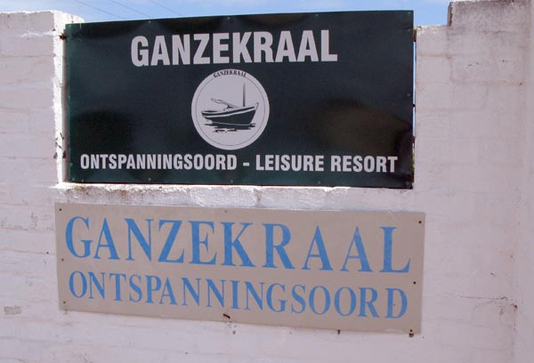 Sign board to Ganzekraal.