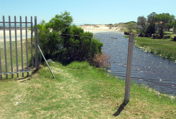Brocken fence next to river and open to the beach so not too sure about  the safety aspect.