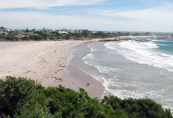 The view from the R44 across the beach to Rooi Els.