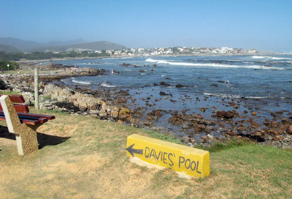 Davies pool with Onrus in the background. The pool is dirctly in front of the Onrus Caravan Park.