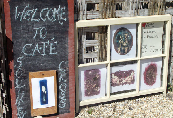 There is also a Cafe come restaurant come meuseum come art gallery at Stoney Point and well worth a visit.